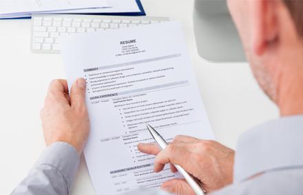 Come adattare il CV per candidarsi a ruoli temporanei